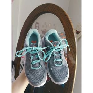 🔹🦋Women's Under Armour Running Shoes🦋🔹